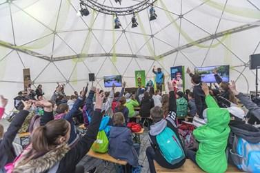 Kromě filmů festival za normálních okolností nabízí také přednášky a workshopy, do kterých se návštěvníci mohou zapojit. Foto: archiv Ekofilmu