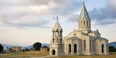 Náhorní Karabach: malá místní šachovnice velkých mezinárodních hráčů