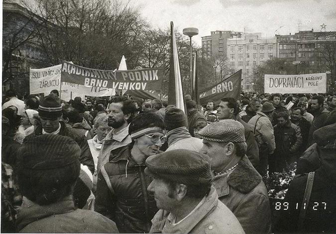 Zdroj: http://www.zpravybrno.cz/item/31-v-brne-byl-dulezitejsi-20-listopad-1989.html