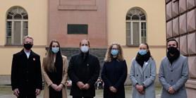 Děkan a zástupci studentů na pietním místě v areálu Kounicových kolejí si připomněli listopadové události roku 1939 a 1989
