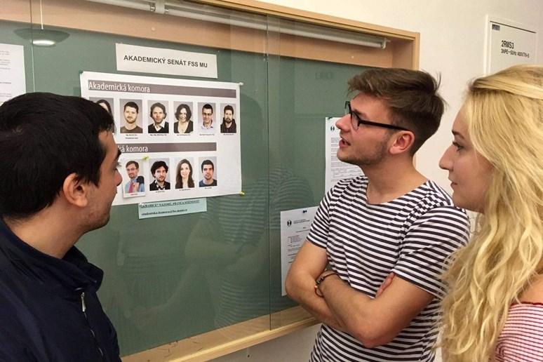 Daniel Jirků je členem studentské komory Akademického senátu fakulty sociálních studií od roku 2017. Foto: cvičné médium Stisk