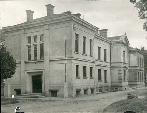 Building No. 2 of the MU Faculty of Science on Kotlářská Street. Photo: MU Archive, undated.