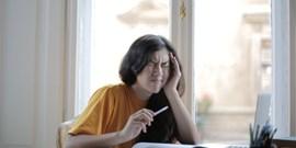 Nový web pomůže lidem čelit migréně