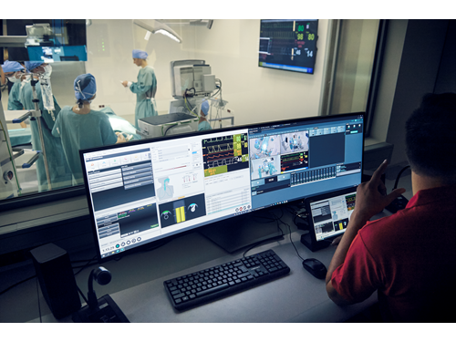 Simulační centrum Lékařské fakulty MU: simulace operace