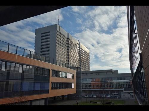 Univerzitní kampus Bohunice: výhled na Fakultní nemocnici Brno