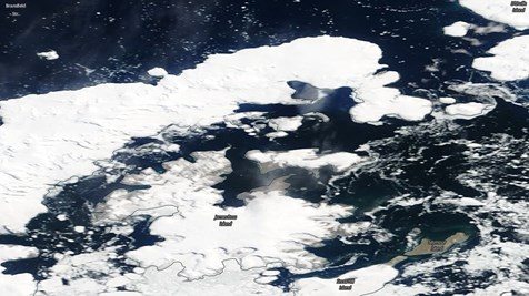 Na satelitním snímku z 15. ledna je vidět, že mořský led je západním větrem hnán k ústí průlivu Prince Gustava do průlivu Antarctic Sound.