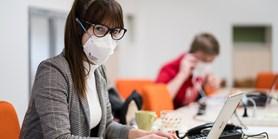 Finance i kredity. V době pandemie podporuje fakulta komunitní život studentů různými způsoby