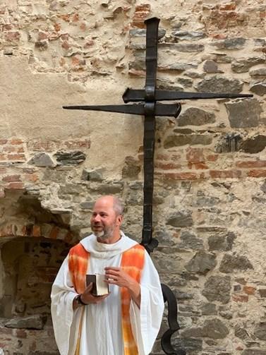 O poslání kněze Hanák smýšlí jako o tom nejlepším, co se mu v životě přihodilo. Zapochyboval pouze jednou, když jej biskup nečekaně přemístil z rodného Brna na venkov. Foto: archiv Jana Hanáka