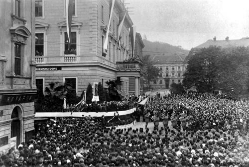 Demonstrace za univerzitu 1913