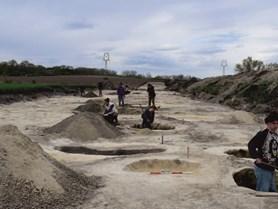 Nabídka brigády: Archeologický výzkum vokolí Čejče