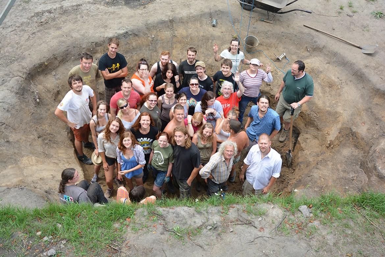 Czech American Archaeology Field School. Výzkumný tým Pohansko a tým College of DuPage, USA). Léto 2014