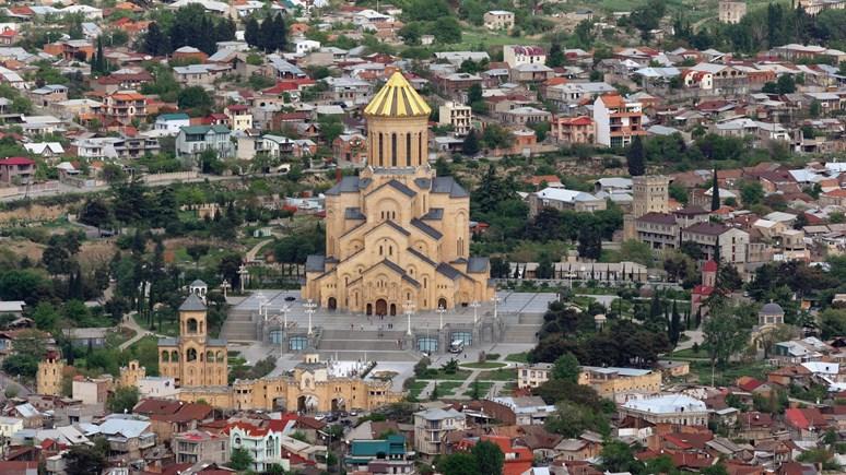Katedrála sv. Trojice v Tbilisi. Zdroj: Wikimedia Commons