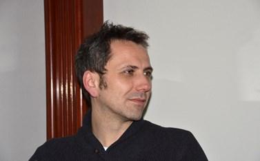 Chorvatský divadelní režisér Oliver Frljić. Foto: Oliver Frljić, Štefica Galić, Wikimedia Commons, CC BY-SA 4.0