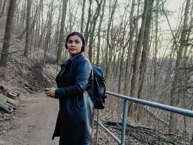 Do Brna přiletěla loni v září. Na Masarykově univerzitě studuje magisterský program International Relations and European Politics. Foto: archiv Ezzat Batool Sonii