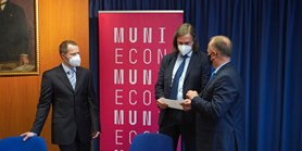 Dm drogerie markt employees successfully completed lifelong learning at FEA MU