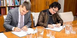 Univerzita aNakit zahájily spolupráci voblasti kybernetické bezpečnosti