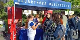 Zahradní slavností na Obilním trhu bylo otevřeno Centrum porodní asistence FN Brno
