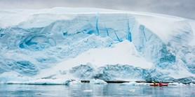 Expedice je z Antarktidy zpět. Potrápily ji pořádné vlny