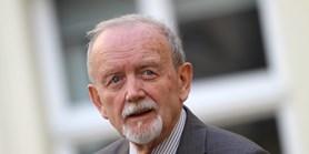 Otcové zakladatelé: Demokracie z roku 1989 není hotová věc, tvrdil první děkan