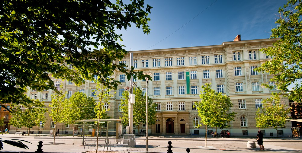 Budova Fakulty sociálních studií MU