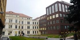 Nové budovy filozofické fakulty přivítaly první studenty
