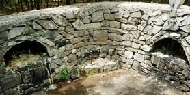 Archeologové objevují Albánii. Našli místo, kde lidé dodnes usmiřují démony
