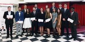 Brno ocenilo talentované doktorandy. Většina je z MUNI