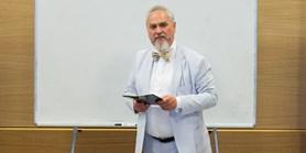 Masarykova univerzita udělí čestný doktorát ruskému historikovi Zubovovi