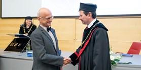 Lékařská fakulta ocenila čtyři desítky osobností, které se zasloužily o její rozvoj