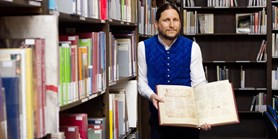 Historians receive a generous gift of over 1,200 books from Germany