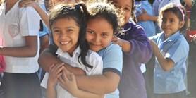 Romanisté naučí děti z Amazonie, jak pečovat o životní prostředí