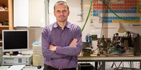 Vědci testují materiály pro přenos signálu beze ztrát