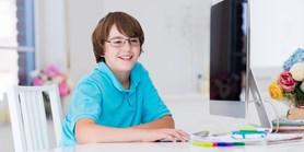 Výzkum: Děti v Česku i zahraničí se na internetu běžně seznamují s cizími lidmi