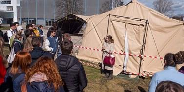 Studenti Masarykovy univerzity pomůžou i v nemocnicích a na infolinkách