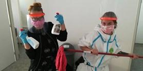 Roušky s filtry z MUNI dostaly domovy důchodců i centra pro bezdomovce