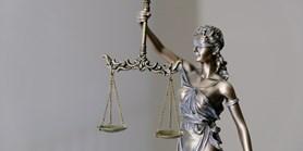 Existuje správná cesta, jak omezit základní práva?