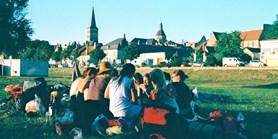 Studenti vyrazí na čtyřměsíční cestu po Francii. Napodobí středověkou pouť
