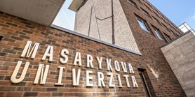 Senátoři filozofické fakulty apelují na umožnění hybridní výuky