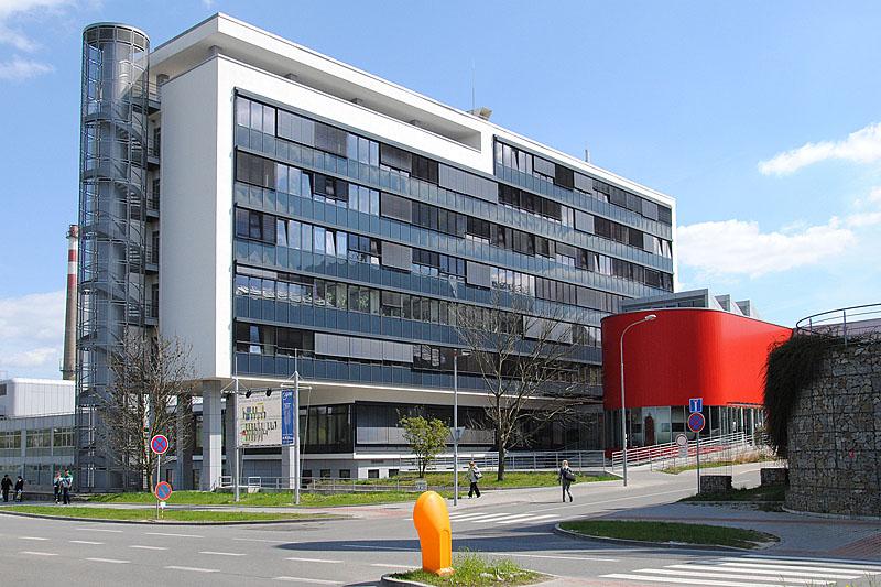 Budova UKB, Kamenice 3, budova 1,