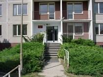 Budova SKM, Lomená 48, Koleje na ulici Lomená 48 - vstup